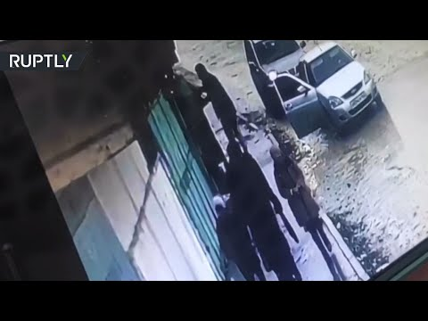 شاهد موظف في دار الإفتاء في داغستان ينقذ فتاة من الاختطاف