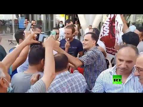 موسيماني مدرب الأهلي المصري يصل مطار القاهرة الدولي