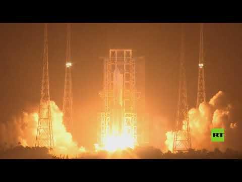 الصين تُطلق مركبة فضائية لجمع عينات من الصخور القمرية