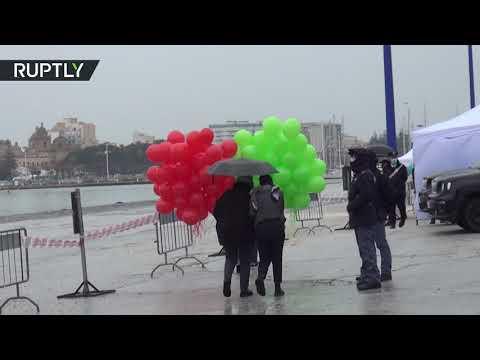 شاهد الصياديون يعودون إلى إيطاليا بعد الإفراج عنهم من قبل الجيش الليبي